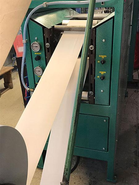 Kéztörlő gyártó gép
